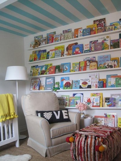 Organize child's room - books