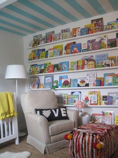 Organize child's room - books