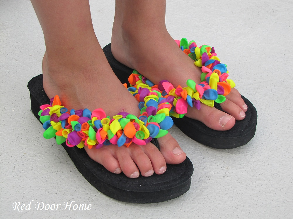 Decorate flip flops with balloons