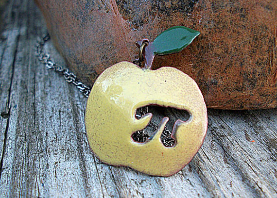 Apple Pi necklace for math nerds