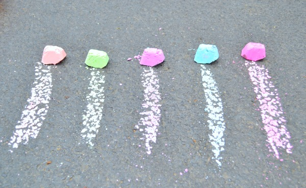 glow in the dark sidewalk chalk