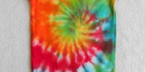 How to Make a Tie Dye Onesie: A Fun DIY Tutorial