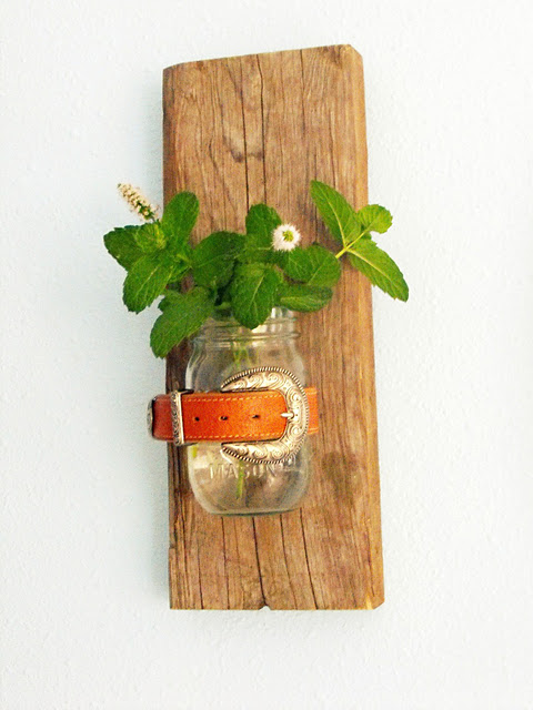 how to make a mason jar wall vase