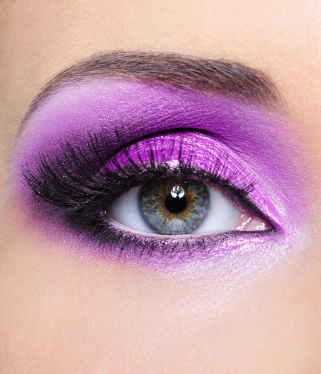 How to wear purple eye shadow