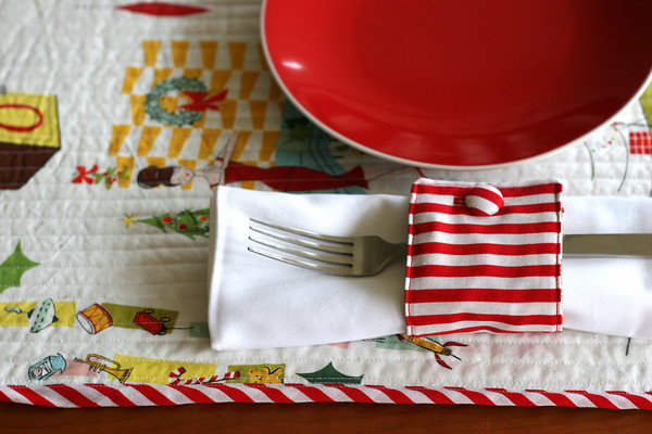 Sew napkin rings from fabric