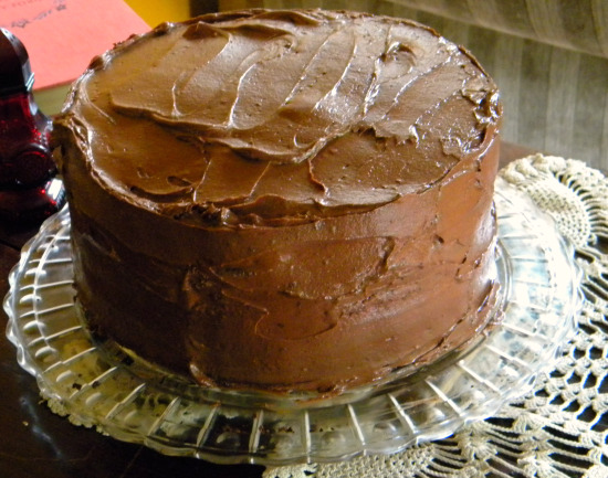 A chocolate cake for Mother's Day made with mayonnaise