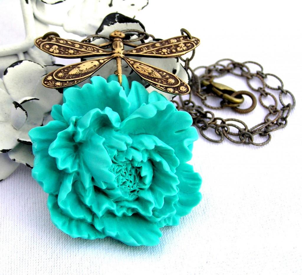 Blue cockatoo necklace