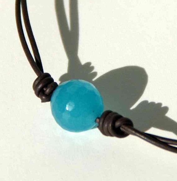 Blue cockatoo ankle bracelet for summer